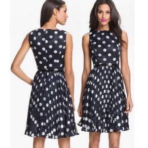 Adrianna Papell size 6 dress navy/white polka dots